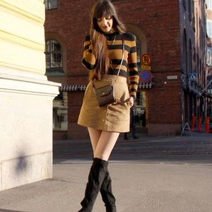 H&M Faux sueder mini skirt
